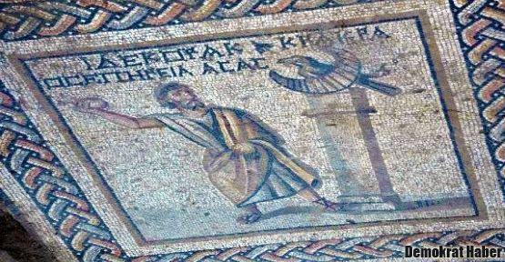 Tarsus'ta 1800 yıllık mozaik bulundu