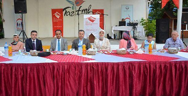 Tekirdağ Valisi Coca-Cola'yı Fanta içerek protesto etti