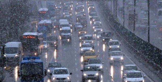 TIR'lar yolda kaldı TEM trafiğe kapandı