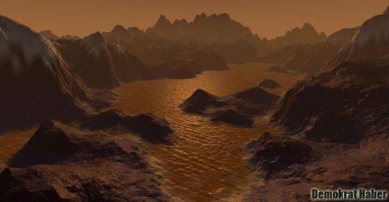 Titan'da Nil'e benzeyen nehir bulundu!
