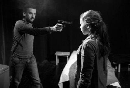Tiyatro Kara Kutu'dan bir oyun: Blasted