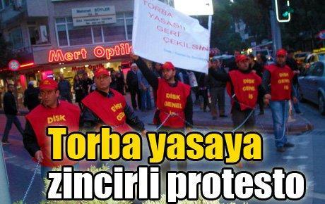 Torba yasaya zincirli protesto