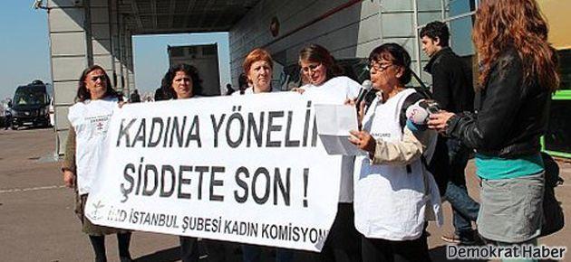 TRT önünde erkek şiddeti protestosu