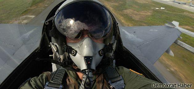 TSK'nın Ermeni diyerek kovduğu pilottan namaz sorusu