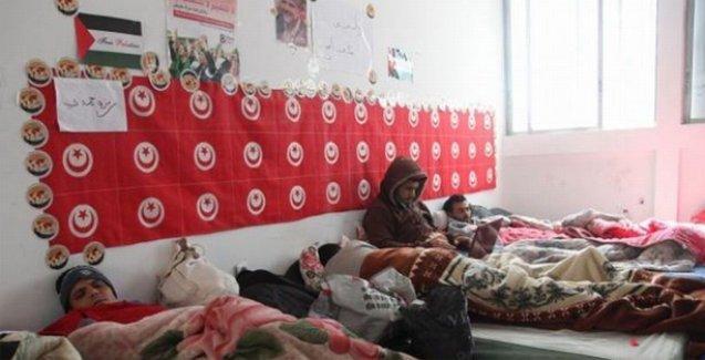 Tunus'ta üniversite mezunu gençler işsizliğe karşı açlık grevi başlattı