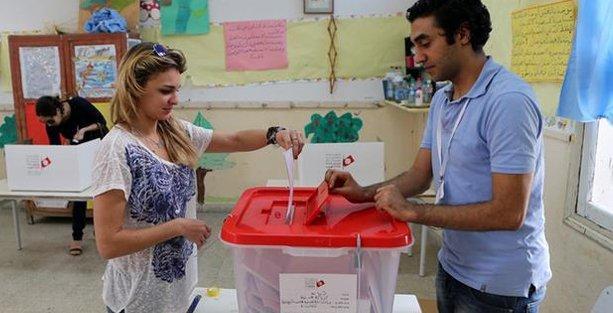 Tunus'ta laikler kazandı