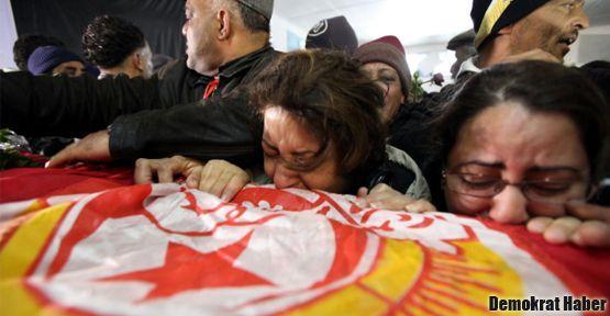 Tunus'ta yas ve eylem günüydü