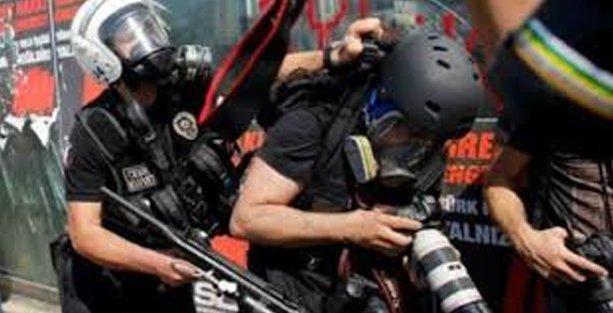 Türkiye 'haberciye şiddet'te ilk üçte!