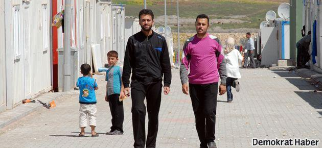 Türkiye'ye gelen Suriyelilerden 93 bini geri döndü