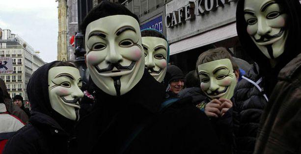 Twitter, Anonymous'un hesabını kapattı