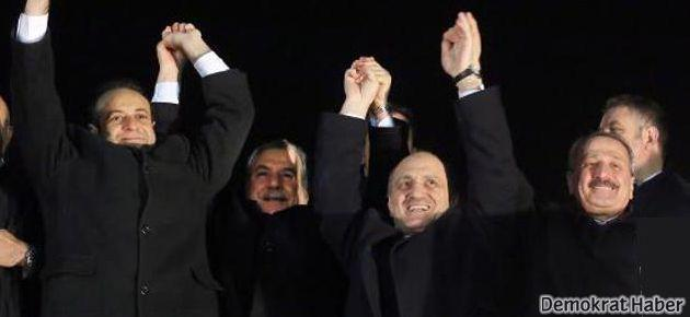 Üç eski bakan örgüt yöneticiliğinden yargılanacak!