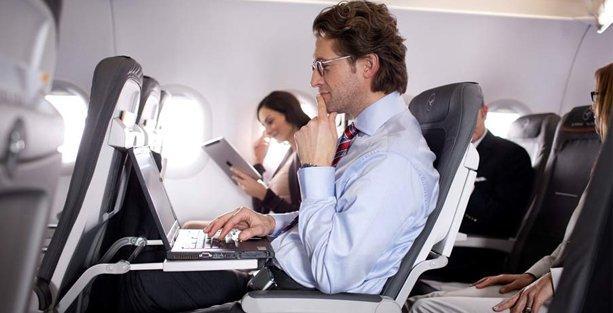 Uçaklardaki internet ve telefon yasağı kalktı