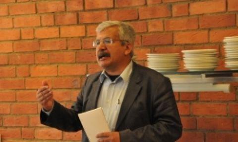 Ufuk Uras: Batıdaki belediyeleri almak önemli