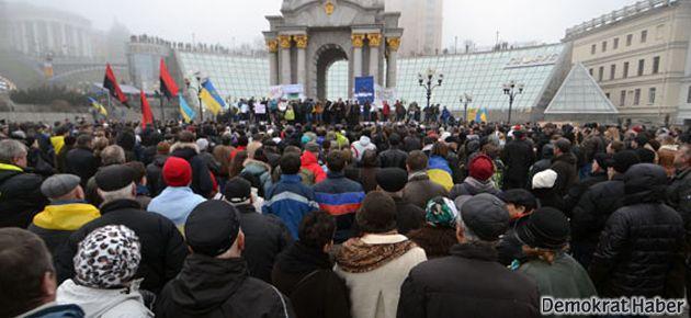 Ukrayna'da AB protestoları büyüyor