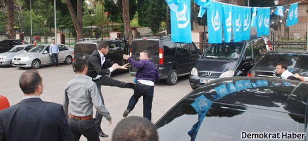 Ülkücüler 'kameradan tahrik olup' gazetecilere saldırdı