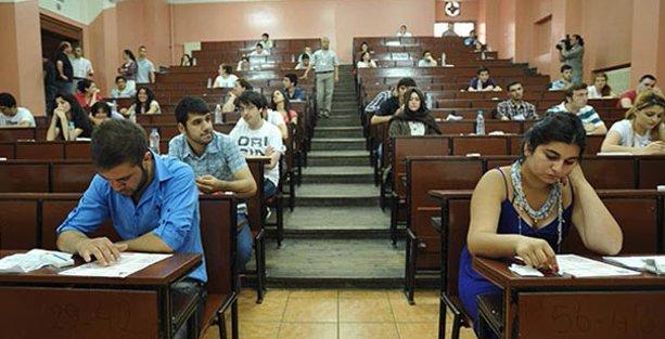 Üniversite öğrencisine geri ödemesiz 12 bin lira
