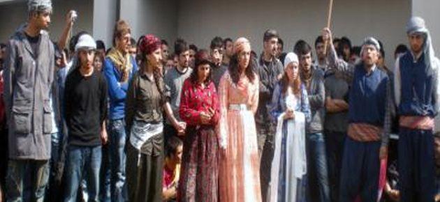 Newroz kutlayan 22 öğrenciye süresiz uzaklaştırma