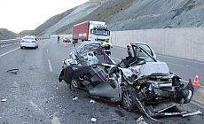 Erzincan'da kaza: 5 kişi hayatını kaybetti