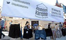 Kadıköy'de kadınlar stant açtı: Kıyafetime karışma, kadınlar için adalet