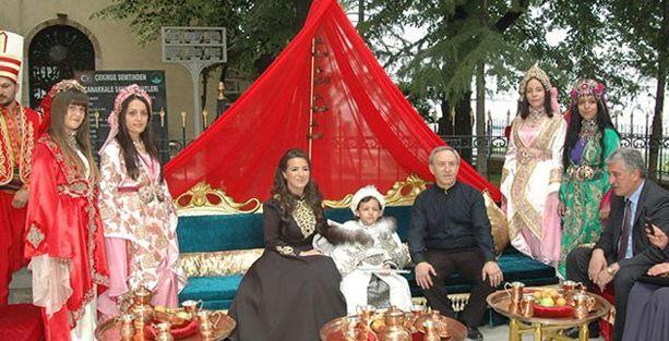 Vali Yardımcısından oğluna cami avlusunda sünnet düğünü