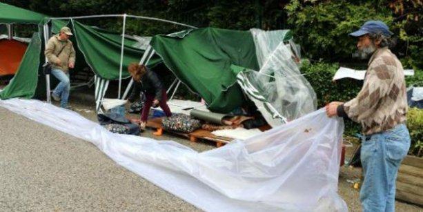 Validebağ'da çadırlar kaldırılıyor