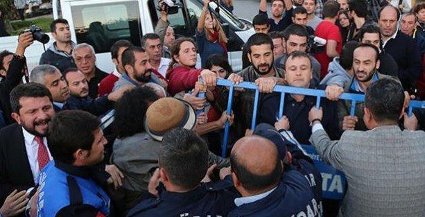 Validebağ'da direnenlere zabıtalar saldırdı