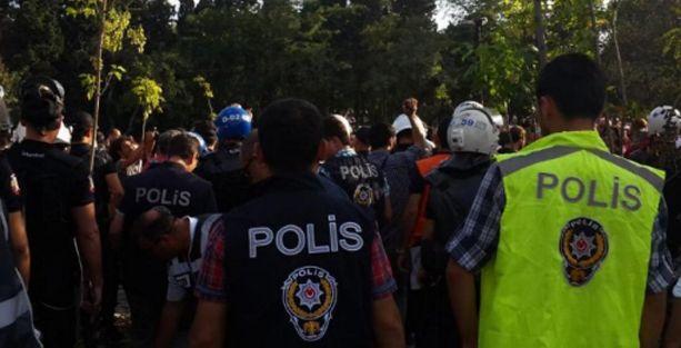 Validebağ'da polis ablukasında fidan diktiler