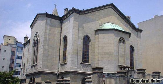 Valilik Gedikpaşa Kilisesi'ne aba altından sopa mı gösterdi?