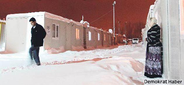 Van'da konteynerler kış ortasında kaldırıldı