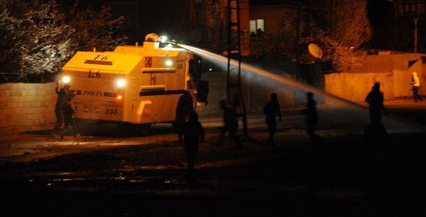 Van'da Kobanê eylemine polis müdahalesi