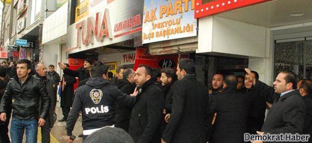 Van'ın AKP adayına protesto; havaya ateş açıldı