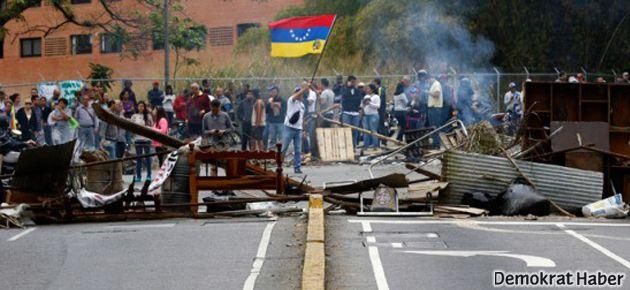 Venezuela'da diyalog önerisi rafa kalktı
