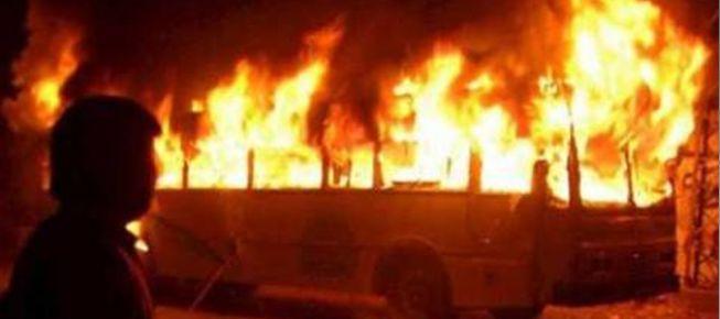 Yakıt tankeri yolcu otobüsüyle çarpıştı: 35 ölü