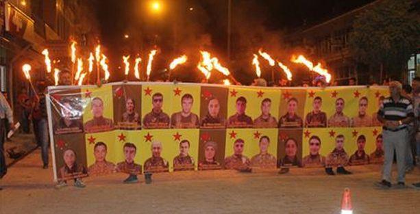 Yaklaşık 300 kişi sınırı geçerek YPG'ye katıldı