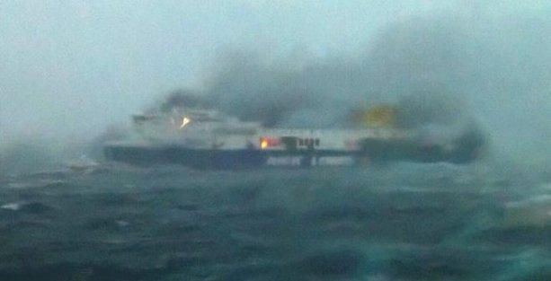 Yanan feribottaki Türkiye vatandaşı yolcuların kimliği belirlendi
