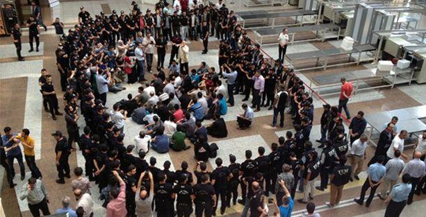 'Yasadışı dinleme' operasyonunda gözaltına alınan 79 polis açığa alındı