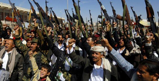 Yemen'de Husiler parlamentoyu dağıtıp yönetimi devraldı