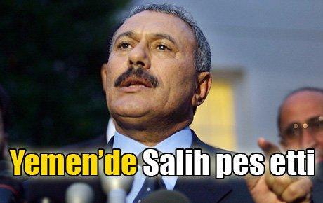 Yemen'de Salih pes etti