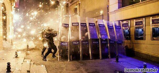 Yeni internet yasası protestosuna saldırı