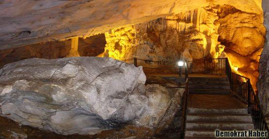 'Yer Altı Cenneti'' Dupnisa Mağarası