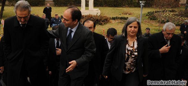 YNK heyeti Osman Baydemir'le görüştü