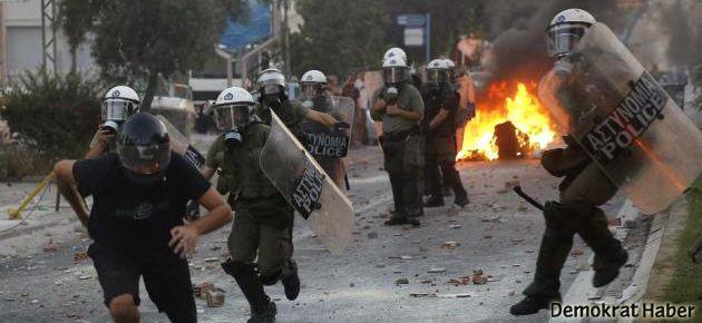Yunanistan'da Neo-Nazi karşıtı protestolar