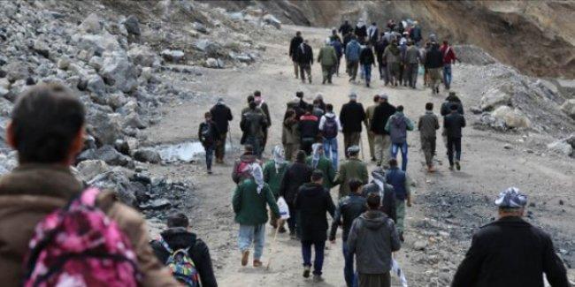 Yüzlerce Roboskili, asker baskısı nedeniyle Şirit Yaylası'na göç ediyor