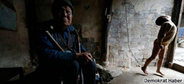 Zincire bağlı engelli çocuğun akıl almaz hikayesi