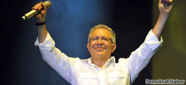 Zülfü Livaneli'nin suçladığı Başkan konuştu
