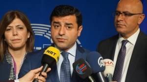 Demirtaş'tan AP'ye 'resmi inisiyatif' çağrısı