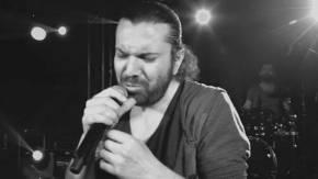 Halil Sezai'den 'Hayır' şarkısı